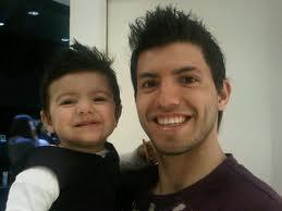 Серхио Агуэро с сыном. Фото cr17.com