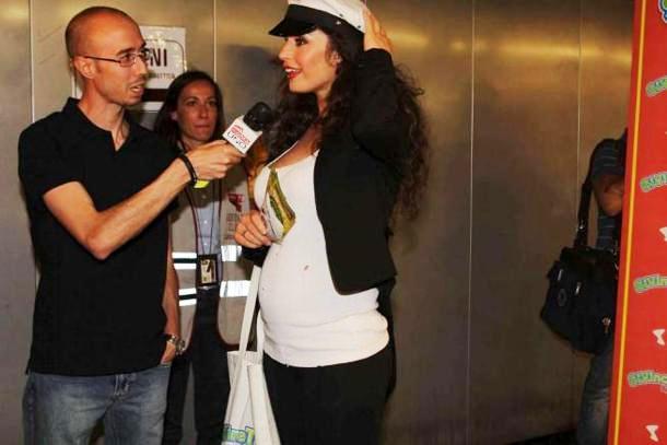 Марио Балотелли веселится без беременной Рафаэллы Фико ... Рафаэлла Фико