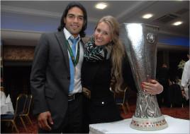 Радамель Фалькао с женой