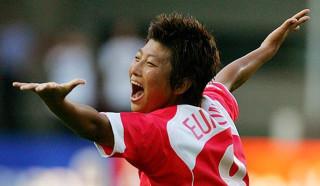 Корейская футболистка - мужчина?
